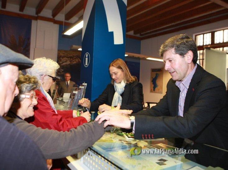 Noticias de castell castell n reparte pulseras de for Oficina turismo castellon